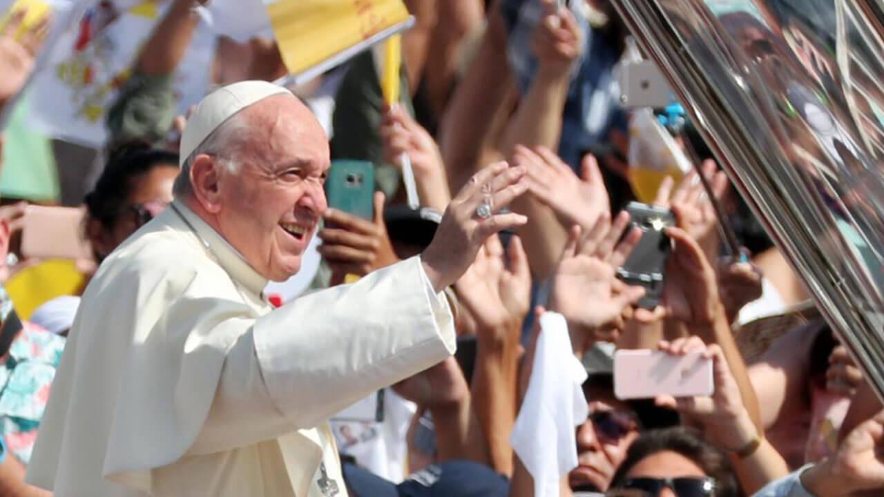 Cinco consejos para proteger tus ojos si vas a ver al Papa