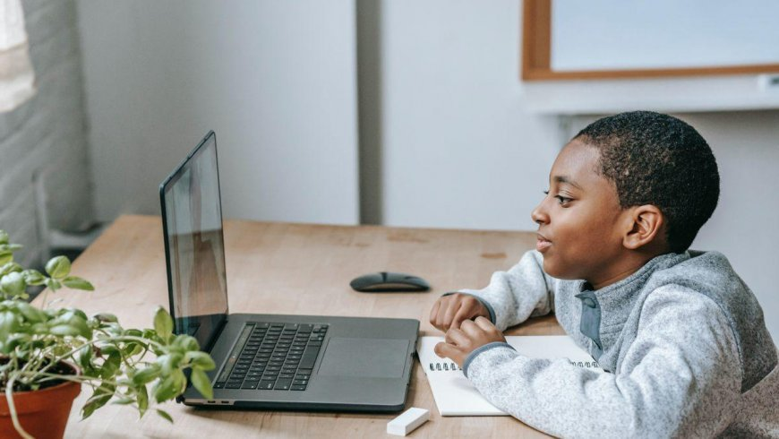 Trucos caseros para aliviar la fatiga ocular de los niños durante las clases virtuales