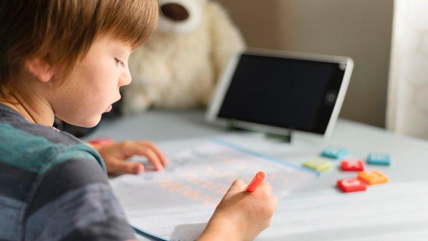 Regreso a clases: ¿Qué problemas de salud pueden estar relacionados a las clases virtuales de niños y adolescentes?